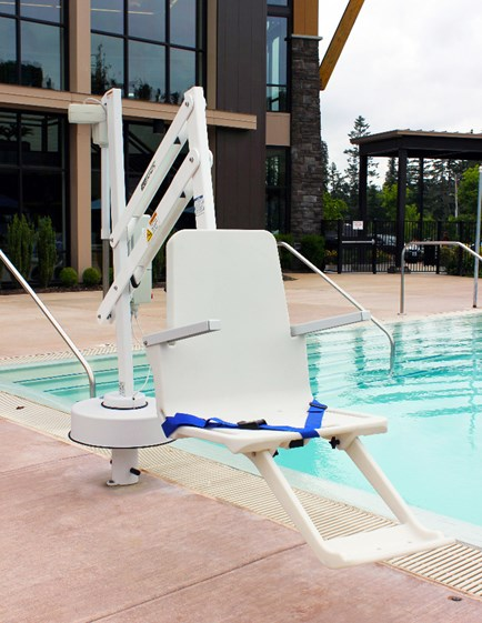 Splash Pool Lifts S R Smith Pool Accessibility